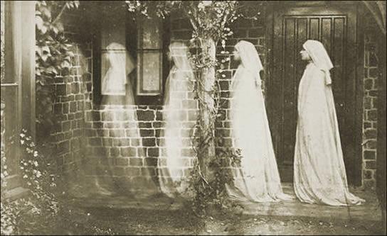 Исследование: кем были призраки до смерти